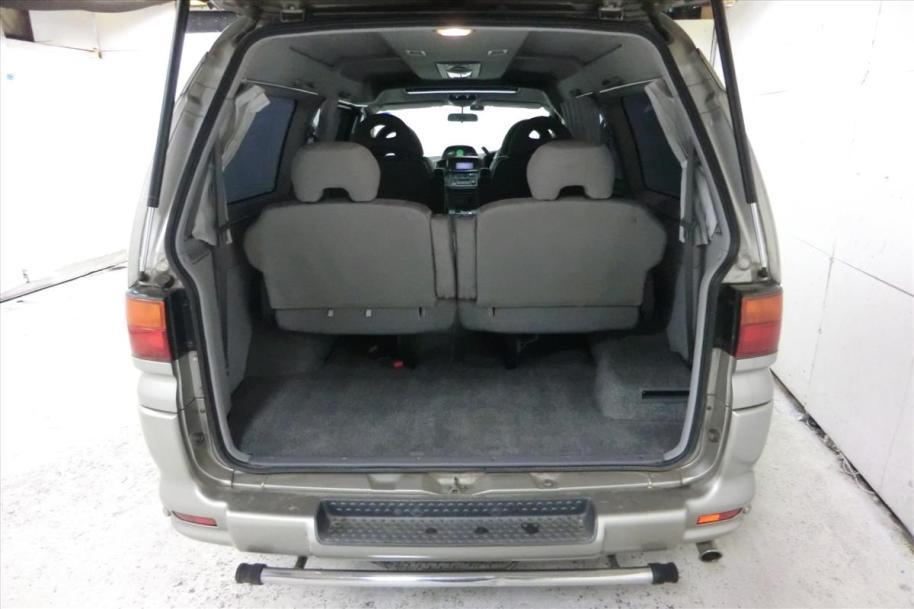 PF6W-0500205 Interior Rear